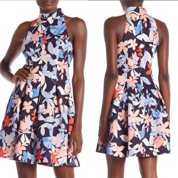 Vince Camuto Dresses & Skirts - NWT Vince Camuto Scuba Print Dress